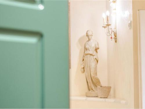 Prodej podkroví 220m2, 7 pokojů / Viareggio