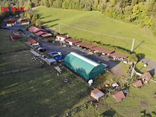 Prodej penzionu 660 m², Perštejn
